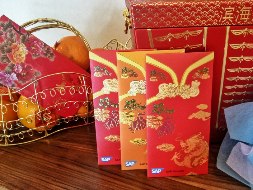 According to an investigation carried out before the Chinese New Year Eve, we should present kids and singles with the traditional red envelope – ang pao.