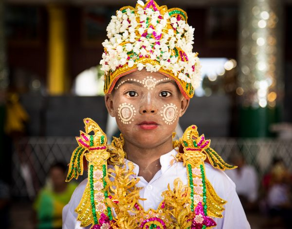 The Shwedagon Pagoda – magnificent witness of the Buddhist novitiation